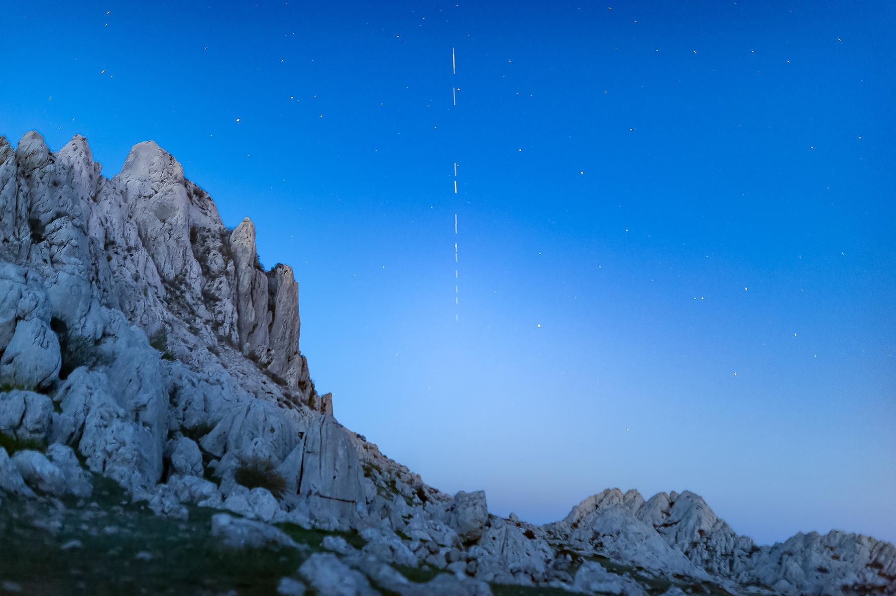 Astronomi upozoravaju: Starlink sateliti bi mogli onemogućiti promatranje neba