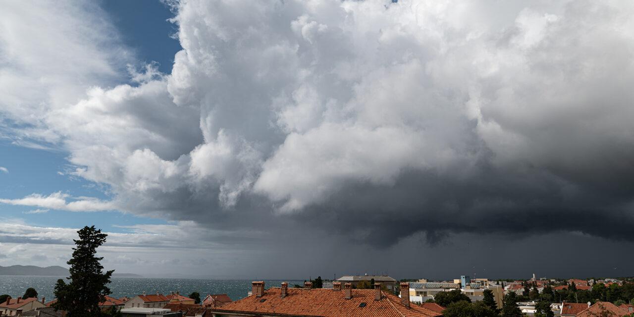 Nova ciklona sa sjeverozapada, u subotu fronta i mnogo kiše